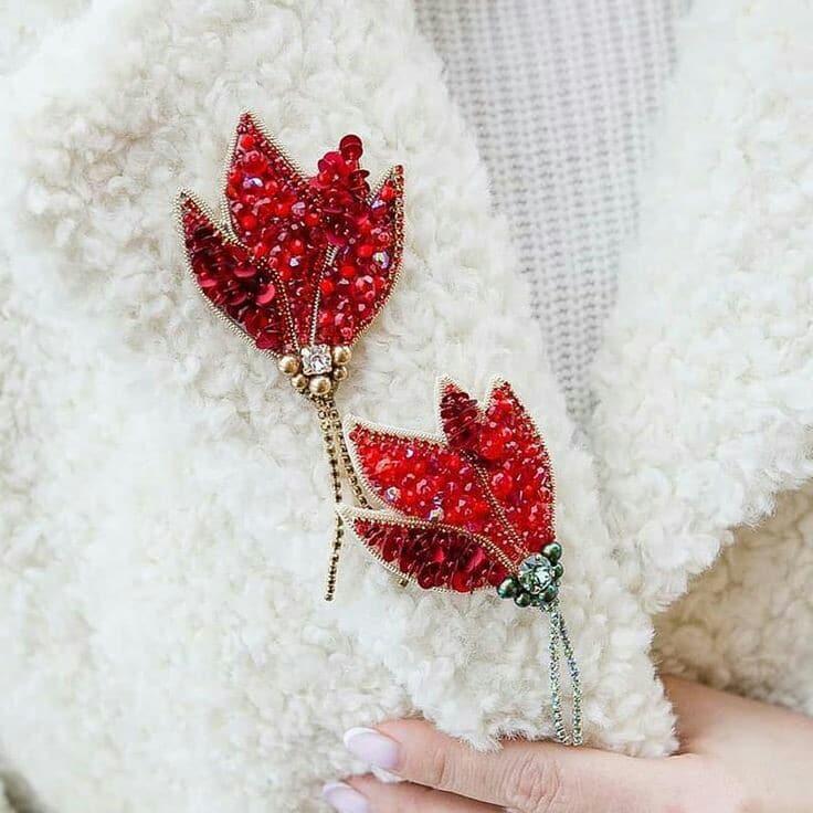 گل سینه زیبا و جذاب | جواهر