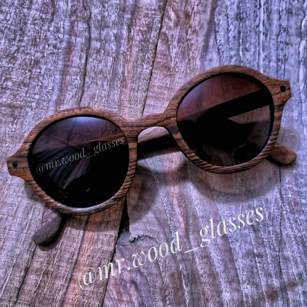 عینک چوبی دستساز