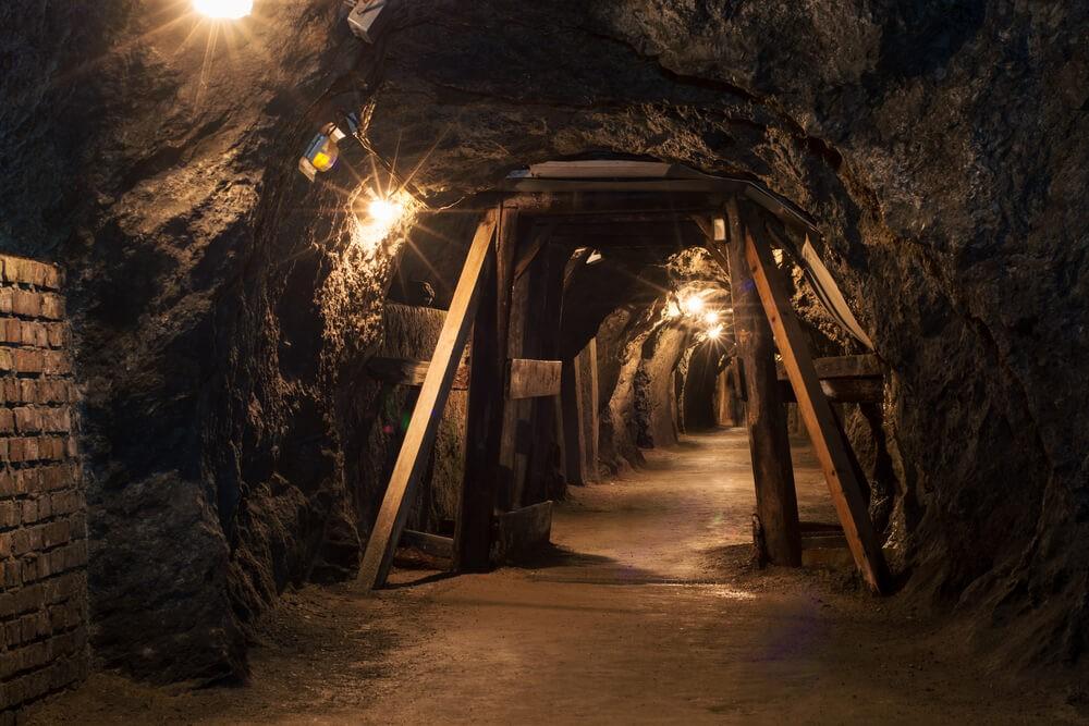 تهویه هوا در معدن برای استخراج فلزات